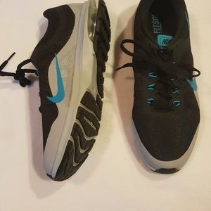NEW NIKE MENS SNEAKRRS AIR MAX DYNASTY 2